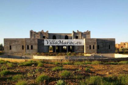 villa gros œuvres sur 1,3 Ha à vendre route ourika