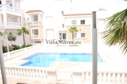 Luxe villa appartement (121m2) te koop in Madinat Bades Al Hoceima met uitzicht op zee. Nooit bewoon